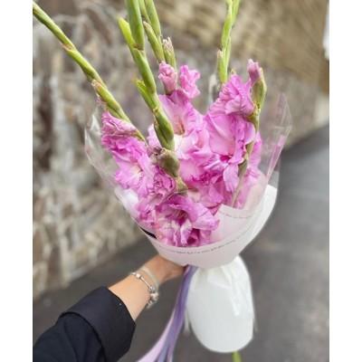 Букет из 5 розовых гладиолусов